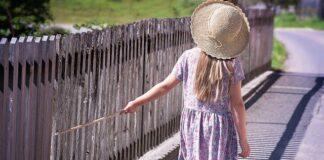 sukienka i spódnica dla dziewczynki - czy warto kupić?