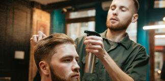 Sprawdź, jakie są najmodniejsze aktualnie fryzury dla mężczyzn